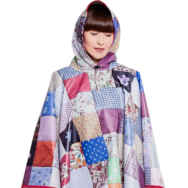 FieldCandy Designer Poncho - Snug as a Bug